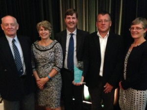 (L-R) Peter Saville (NT Senior Vet Officer - Alice Springs), Kathleen Plowman (CEO of Animal Health Australia), Peter Dagg (Executive Manager EAD Preparedness and Response), James Watson (Veterinary Investigations Officer -CSIRO) and Mary Lou Conway (TAS Deputy Chief Veterinary Officer